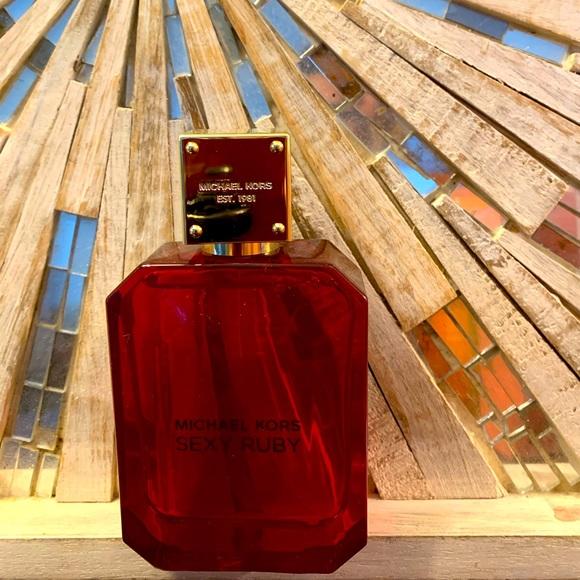 Sexy Ruby perfum